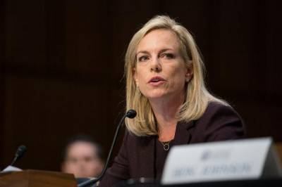 b2ap3_thumbnail_dhs-kirstjen-nielsen-600-convicted-criminals-hiding-caravans.jpg